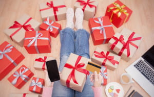 Świąteczne zakupy. Jak je przetrwać i nie zwariować?