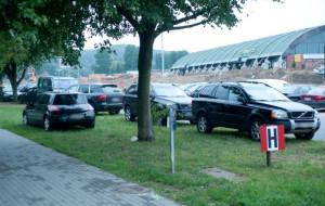 Parkingi przy Ergo Arenie są zbyt małe?