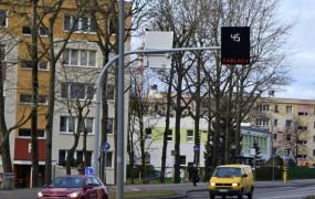 Gdynia: wyświetlacze zmniejszają prędkość przy przejściach