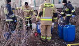 Paliwo w śmietnikach porzuconych na Olszynce