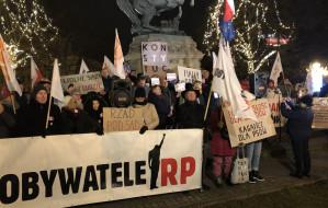 Protestowali w obronie sądów podczas głosowania Sejmu