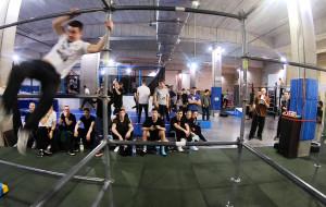 Movement Challenge 2020, czyli parkour na stadionie. Błąd to wypadek