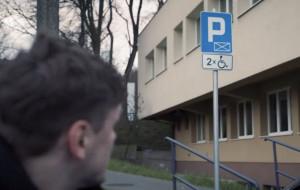 """Spot Gdańska przeciwko bezprawnemu parkowaniu na """"kopertach"""""""