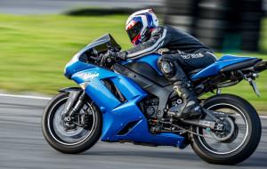 Motocyklisto, popraw swoją technikę jazdy