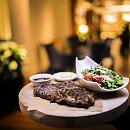 Restauracje hotelowe oferują dania na wynos