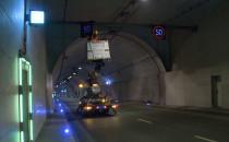 Nocne czyszczenie tunelu pod Martwą Wisłą