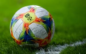Ekstraklasa. Kluby mogą obniżyć piłkarzom pensje o połowę