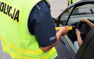 Pijany kierowca zasnął za kierownicą