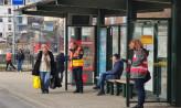 Dłuższe składy i monitoring liczby pasażerów - tak działa dziś komunikacja miejska