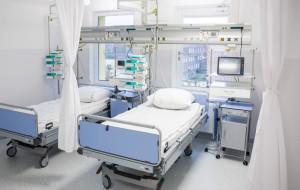 Pustki na oddziałach, tylko ratowanie życia. Nowa rzeczywistość szpitali