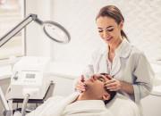 Medycyna estetyczna dla mężczyzn. Jakie zabiegi są popularne?