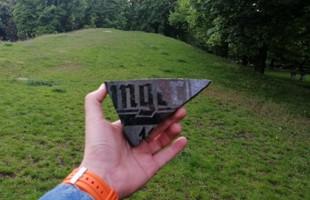 Fragment dawnego nagrobka znaleziony w Nowym Porcie