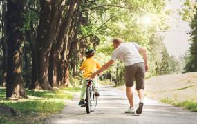 Jak nauczyć nastolatka jazdy rowerem?