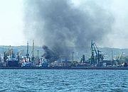 Słup dymu nad Gdynią: pożar na statku