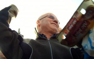 Happening pod stocznią. Jaja leciały w zdjęcia Lenina i Adamowicza
