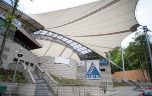 Nowy dach Opery Leśnej przecieka