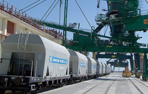 Dwa remonty naraz mogą sparaliżować gdyński port
