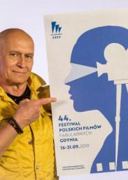 Andrzej Pągowski Podpisuje Plakat