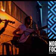 Furman śmierci z muzyką na żywo zespołu Kropki