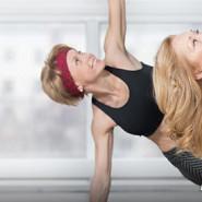 Dojrzałe kobiety ćwiczą