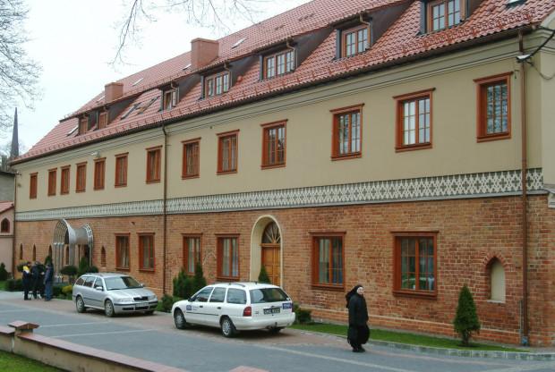 Skarb Państwa żądał od Archidiecezji Gdańskiej, która jest właścicielem wydawnictwa, zwrotu ok. 6,8 mln zł z tytułu wypłaconych odsetek od podatku VAT.
