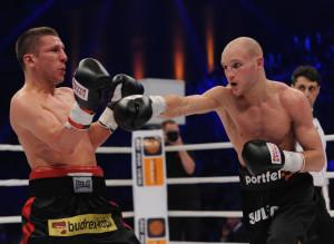 Maciej Sulęcki (z prawej) pokonał Roberta Świerzbińskiego.