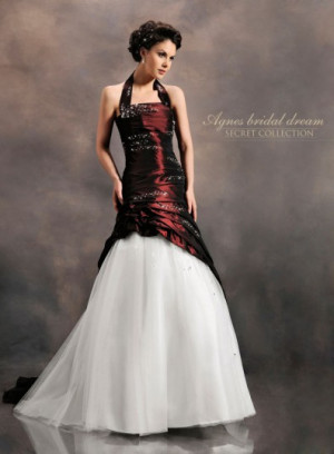 944e05ec64 Suknia ślubna Agnes z kolekcji Secret.