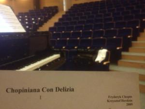 Krzysztof Herdzin jest tak uznanym i zapracowanym muzykiem, kompozytorem, aranżerem, producentem, dyrygentem, etc., że nie ma czas na życie celebryckie. Mieliśmy zatem niebywałe szczęście, że udało mu się zaprezentować własne kompozycje i zagrać podczas festiwalu dwukrotnie - w Gdańsku i Pruszczu Gdańskim.