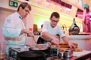 Dodatkową atrakcją będą pokazy live cooking prowadzone przez szefów kuchni.