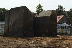 Betonową konstrukcję należało rozebrać.