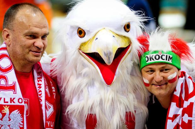 Biało-czerwony orzeł przyniósł szczęście polskim siatkarzom w starciu z Argentyną w Ergo Arenie