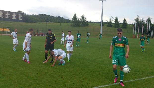 Po meczu z Pogonią piłkarze Lechii po raz pierwszy podczas tegorocznego letniego obozu w Gniewinie schodzili z boiska pokonani.