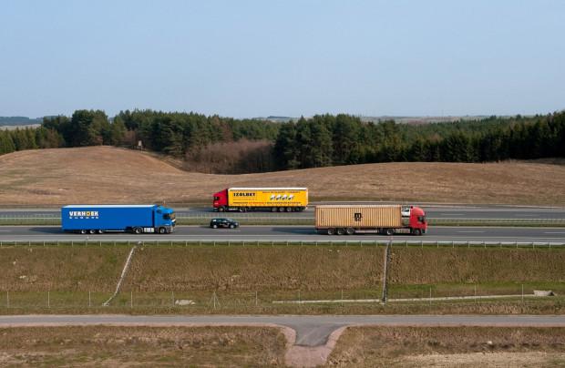 Wprowadzenie system ViaToll na autostradzie A1 od początku usprawniłoby pracę kierowcom ciężarówek.