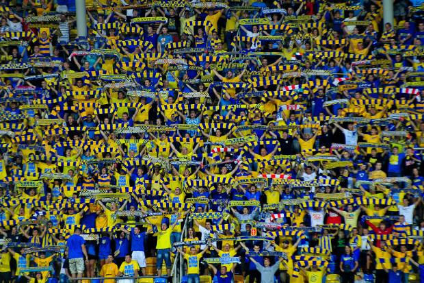Ponad 5 tys. kibiców obejrzało na stadionie w Gdyni mecz Arki Gdynia z GKS Tychy.