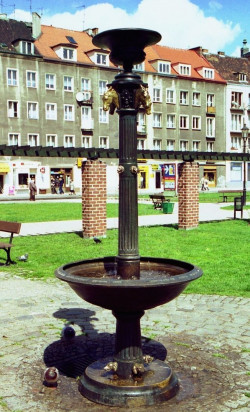 Fontanna Bremeńska na placu Kobzdeja służy do pojenia zwierząt.