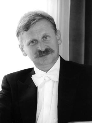 Jan Walczyński od lat zajmuje się propagowaniem muzyki filmowej. W minioną niedzielę poprowadził Orkiestrę PFB podczas koncertu poświęconego twórczości Nino Roty.