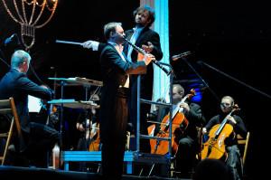 Podczas koncertu inaugurującego VIII Międzynarodowy Festiwal Mozartowski Mozartiana wystąpiła poznańska orkiestra Feel Harmony pod dyr. Łukasza Borowicza. Partię solową na klarnecie wykonał Jakub Drygas.
