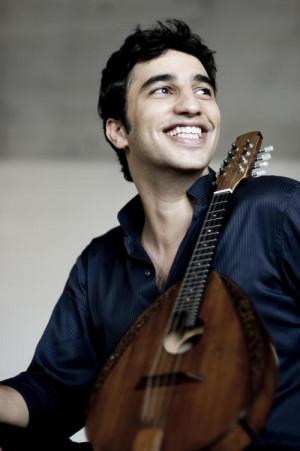 14 września po raz pierwszy na Festwialu Goldbergowskim zabrzmi mandolina. Zagra na niej jeden z największych wirtuozów tego instrumentu Avi Avital.