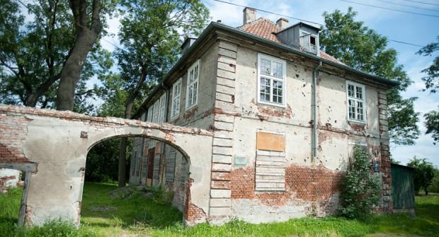 Dwór Olszynka ma nowego gospodarza, zbór zielonoświątkowców, którzy mają maksymalnie 20 lat na jego remont i adaptację.