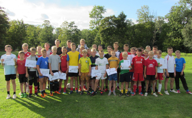 Młodzi piłkarze i piłkarki z Polski, Litwy i Danii będą mieli okazję nie tylko do wspólnej rywalizacji, ale i do wspólnego spędzenia czasu poza boiskiem. Ideą turnieju jest umacnianie więzi pomiędzy młodzieżą z krajów nadbałtyckich. Na zdjęciu reprezentanci Litwy.