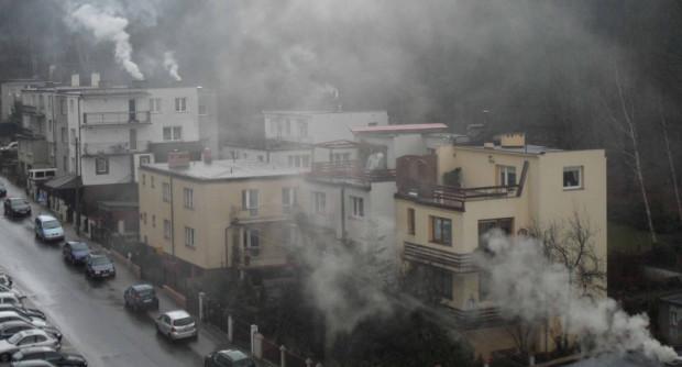 Problem palenia węglem istnieje w Trójmieście, szczególnie gdy do pieców poza węglem trafiają śmieci.