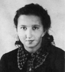 """Danuta Siedzikówna, pseud. """"Inka"""" - należała do Żołnierzy Wyklętych. Sanitariuszka 5. Brygady Wileńskiej AK, zamordowana w więzieniu przy ul. Kurkowej w Gdańsku w 1946 r. W chwili śmierci miała 18 lat."""