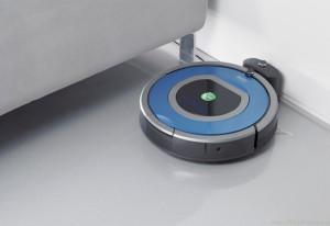 Roomba gotowa do startu. Firma produkująca odkurzacze automatyczne Roomba na początku zajmowała się projektowaniem robotów.