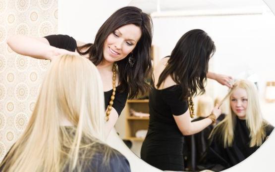 Zobacz jakie nowości wprowadziły do swoich ofert trójmiejskie salony fryzjerskie.