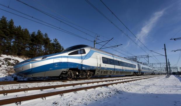 Pociąg Express Intercity Premium (Pendolino) rozpocznie regularne kursy z Trójmiasta do Warszawy w grudniu 2014 r.