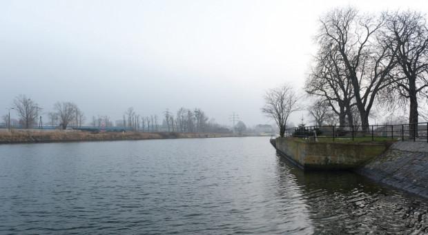 Rzeka Motława w Gdańsku. To tu w przyszłości powstanie przeprawa na drugi brzeg.
