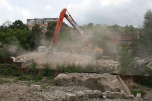 Podczas prac przy Kanale Raduni należało wyburzyć też jeden budynek.