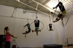 Małe akrobatki w Trójmieście mogą spróbować swoich sił... w powietrzu. Zajęcia tańca aerial prowadzone są na szarfie, trapezie czy kółku.