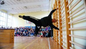 Zajęcia Parkour prowadzone są najczęściej na sali gimnastycznej, z wykorzystaniem specjalnie przygotowanych przeszkód.