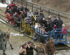 Przejazd drezyną to jedna z atrakcji plenerowej imprezy.